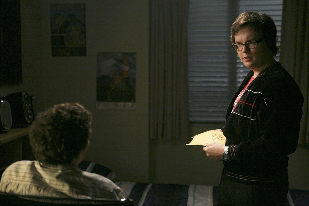 Das Studentenleben ist nicht nur schön: Dale (Clark Duke, r.) und Rusty (Jacob Zachar, l.) ... - Bildquelle: 2008 ABC Family