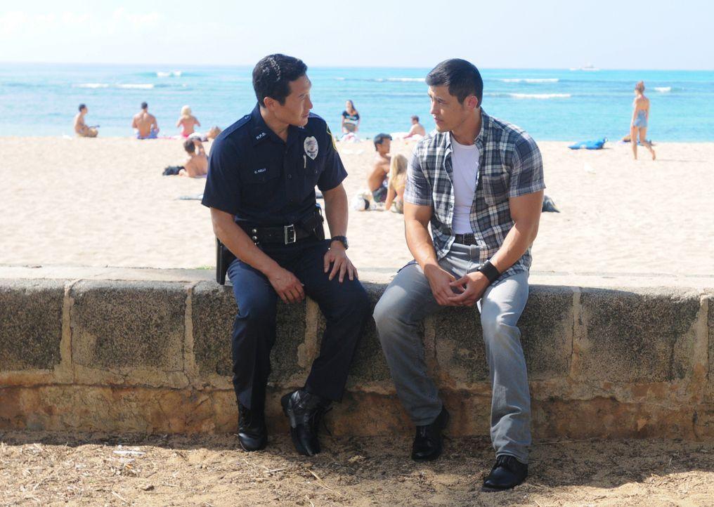 Hat Chin (Daniel Dae Kim, l.) in der Vergangenheit Gabriel (Christopher Sean, r.), dem Bruder seiner verstorbenen Frau, einen Gefallen getan und ihm... - Bildquelle: 2013 CBS BROADCASTING INC. All Rights Reserved.