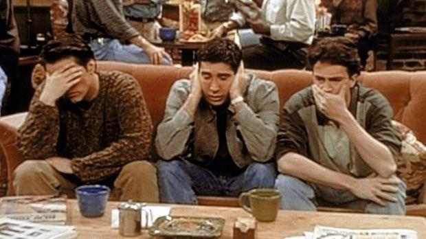 (v.l.n.r.) Joey (Matt LeBlanc), Ross (David Schwimmer) und Chandler (Matthew...