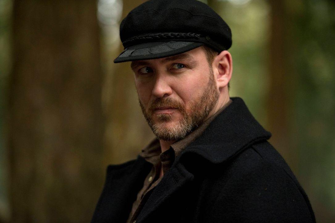 Wird Benny (Ty Olsson) Dean wirklich helfen, nachdem er den Kontakt zuvor so schlagartig abgebrochen hat? - Bildquelle: Warner Bros. Television