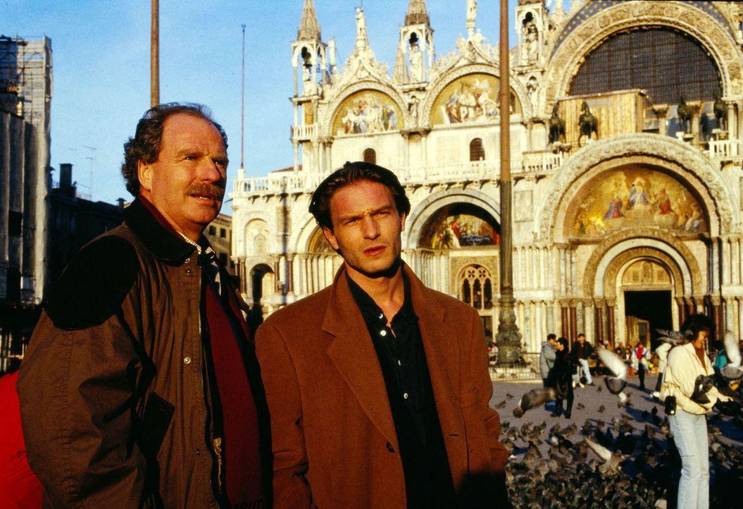 Ein Wochenende in Venedig - zu viert... Ob das so klug ist? Stefan Struck (Friedrich von Thun, l.) und Michael Haenning (Thomas Kretschmann, r.). - Bildquelle: Sat.1/Zinner