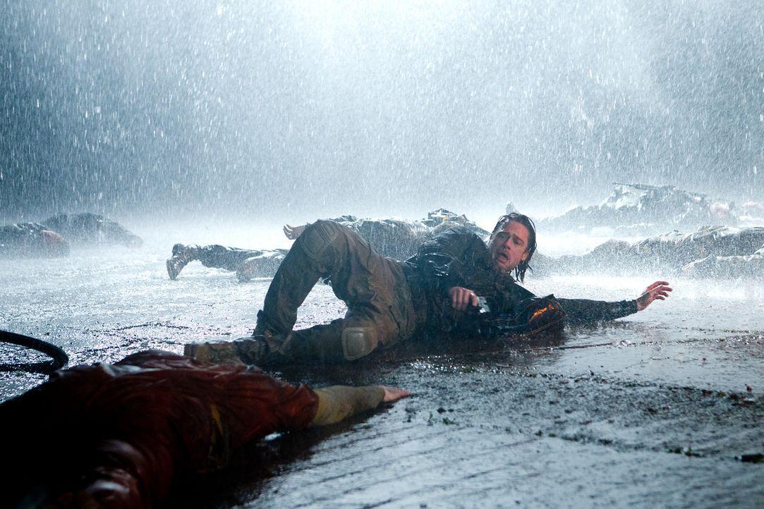 Die Infizierten sind schnell, stark und vor allem hungrig. Gerry (Brad Pitt) versucht alles, damit er und seine Familie die Katastrophe überleben kö... - Bildquelle: 2013 Paramount Pictures.  All Rights Reserved.
