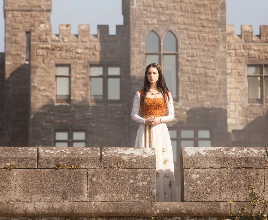 Mary (Adelaide Kane), die junge Königin von Schottland, wurde seit ihrem neunten Lebensjahr in einem Kloster versteckt. Nun, mit 15 Jahren, kehrt si... - Bildquelle: Joss Barratt 2013 The CW Network, LLC. All rights reserved.
