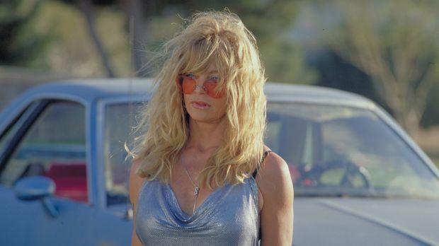 Einst war Suzette (Goldie Hawn) ein Groupie. Nun ist sie Anfang 50, pleite un...