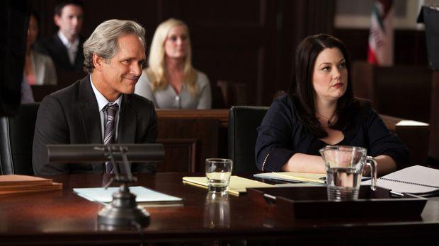 Ein neuer Fall: Jane (Brooke Elliott, r.) soll beweisen, dass ihr neuester Ma...