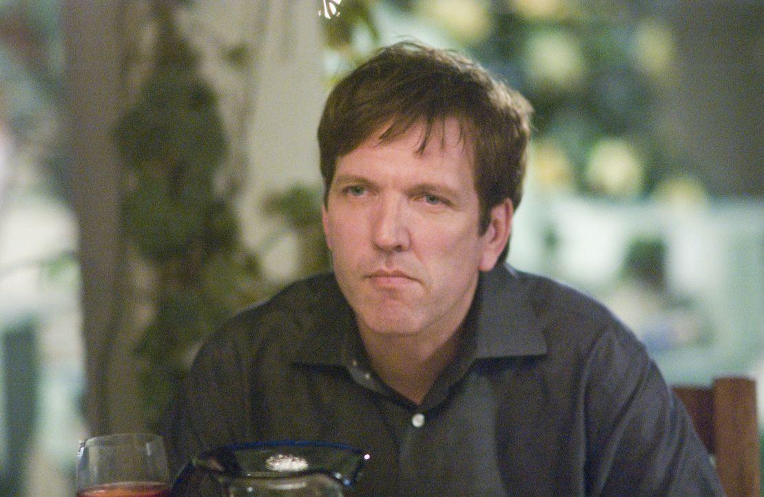Peter (Martin Donovan) drängt Nancy dazu, aus dem Drogengeschäft auszusteigen ... - Bildquelle: Lions Gate Television