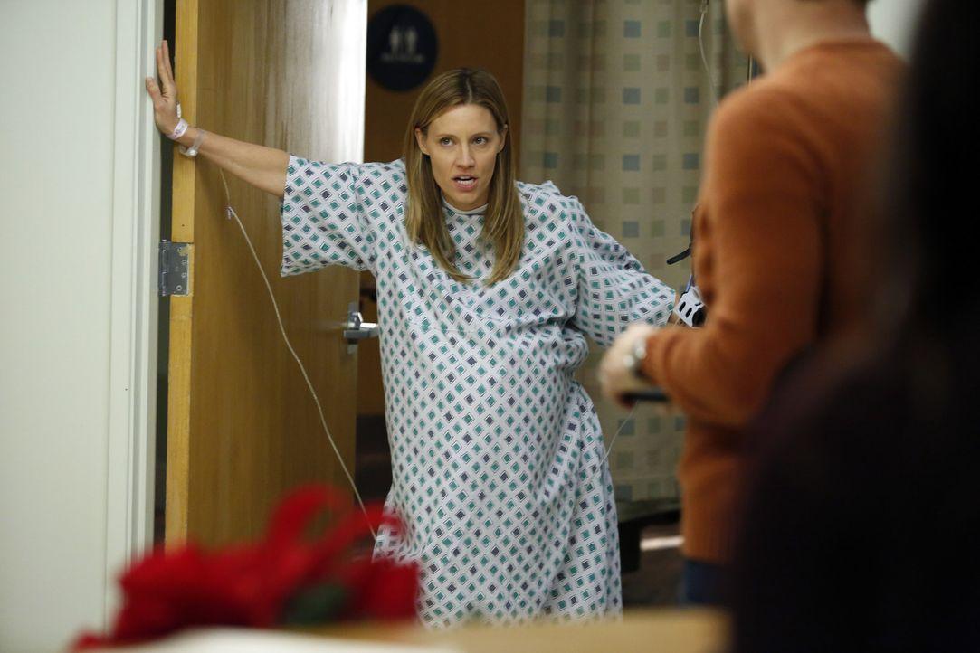 Coopers Versuch, ein Traumhaus zu kaufen, werden auf Eis gelegt als bei Charlotte (KaDee Strickland) Wehen einsetzen ... - Bildquelle: ABC Studios