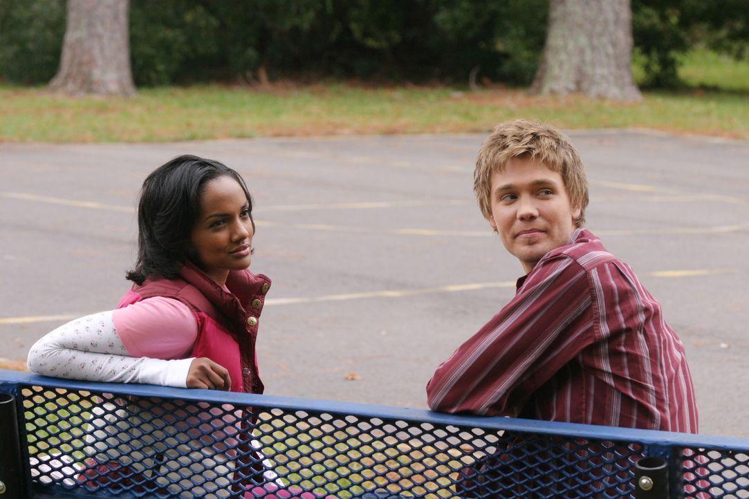 Lucas (Chad Michael Murray, r.) und seine alte Freundin Faith (Mekia Cox, l.) freuen sich, dass sie sich endlich wiedersehen ... - Bildquelle: Warner Bros. Pictures
