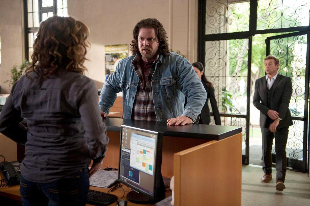 Um herauszufinden, wer der Serienmörder Red John ist, hat Patrick (Simon Baker, r.) einen Plan - doch hat er den Täter mit Miriam Gottlieb (Laura Sa... - Bildquelle: Warner Brothers Entertainment Inc.