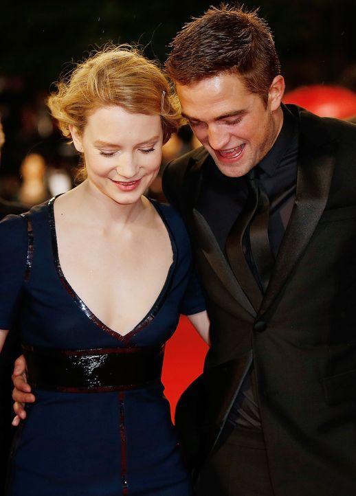 Cannes-Filmfestival-Mia-Wasikowska-Robert-Pattinson-140519-AFP - Bildquelle: AFP
