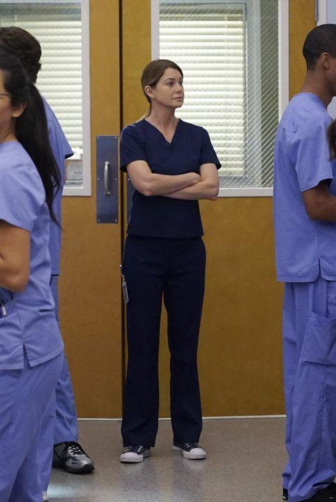 Muss erkennen, dass Bailey ihr jeden Patienten übertragen hat und sie mit den vielen OPs überfordert ist: Meredith (Ellen Pompeo) ... - Bildquelle: ABC Studios