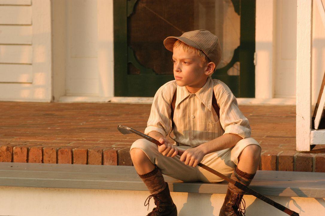 In jungen Jahren beginnt Bobby Jones' (Devon Gearhart) Leidenschaft für das Golfspiel, doch wird er jemals erfolgreich den Sport ausüben können? - Bildquelle: 2003 Bobby Jones Film, LLC. All Rights Reserved.