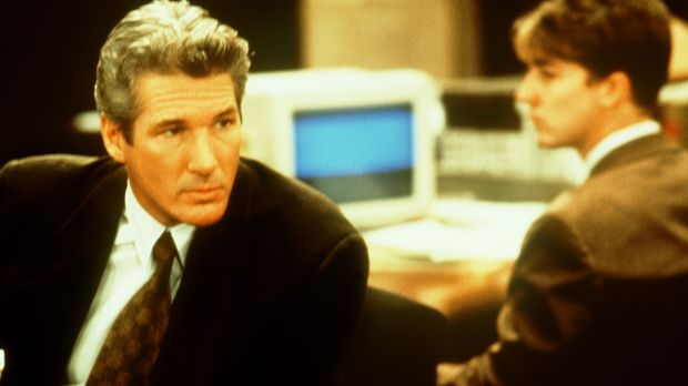 Staranwalt Martin Vail (Richard Gere, l.) übernimmt die Verteidigung des schü...