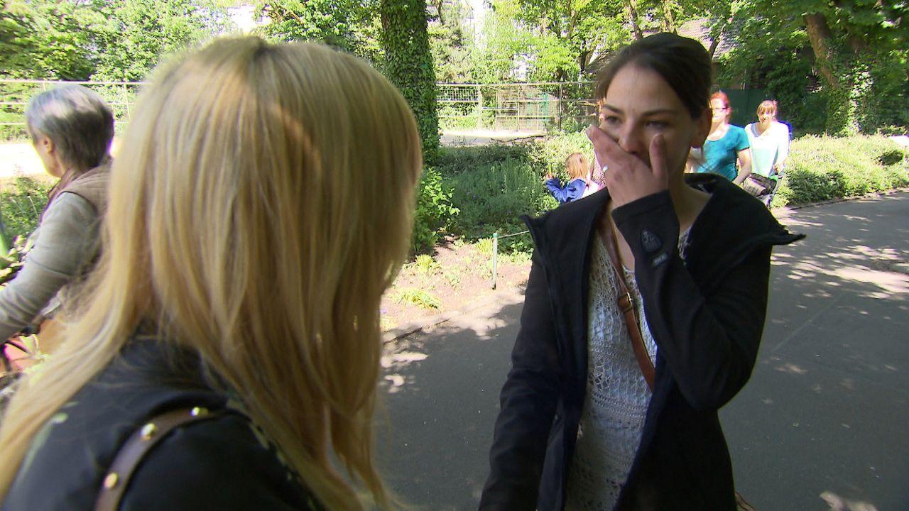 Sabrina (r.) lernte 1995 ihre beste Freundin Rozalija kennen. Doch kurz nach der Einschulung ging das Mädchen mit seinen Eltern zurück nach Kroatien... - Bildquelle: SAT.1