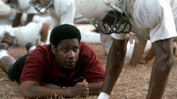 So leicht gibt er nicht auf: Coach Boone (Denzel Washington, l.) muss seine F...