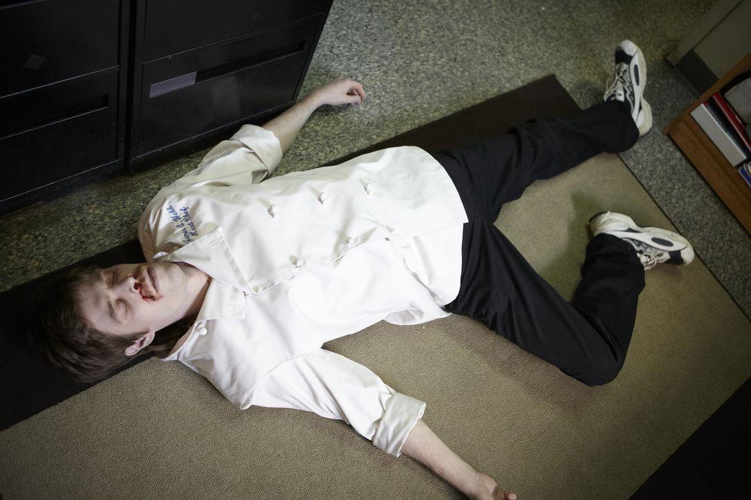 """Mord am Arbeitsplatz: Wer hat Küchenchef Jim Webb (Will Ennis) in seinem Büro im """"General Wayne Inn"""" in der Nähe von Philadelphia erschossen? - Bildquelle: Darren Goldstein Cineflix 2011"""