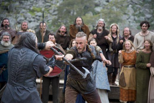 Vikings - Um seinen Bruder aus der Hand des Earls (Gabriel Byrne, l.) zu befr...