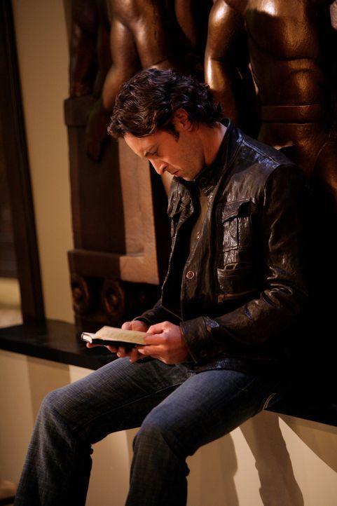 Mick (Alex O'Loughlin) ist mit einem neuen Fall beschäftigt: Er ist schon bald überzeugt davon, dass der Täter ein erst kürzlich verwandelter Vampir... - Bildquelle: Warner Brothers