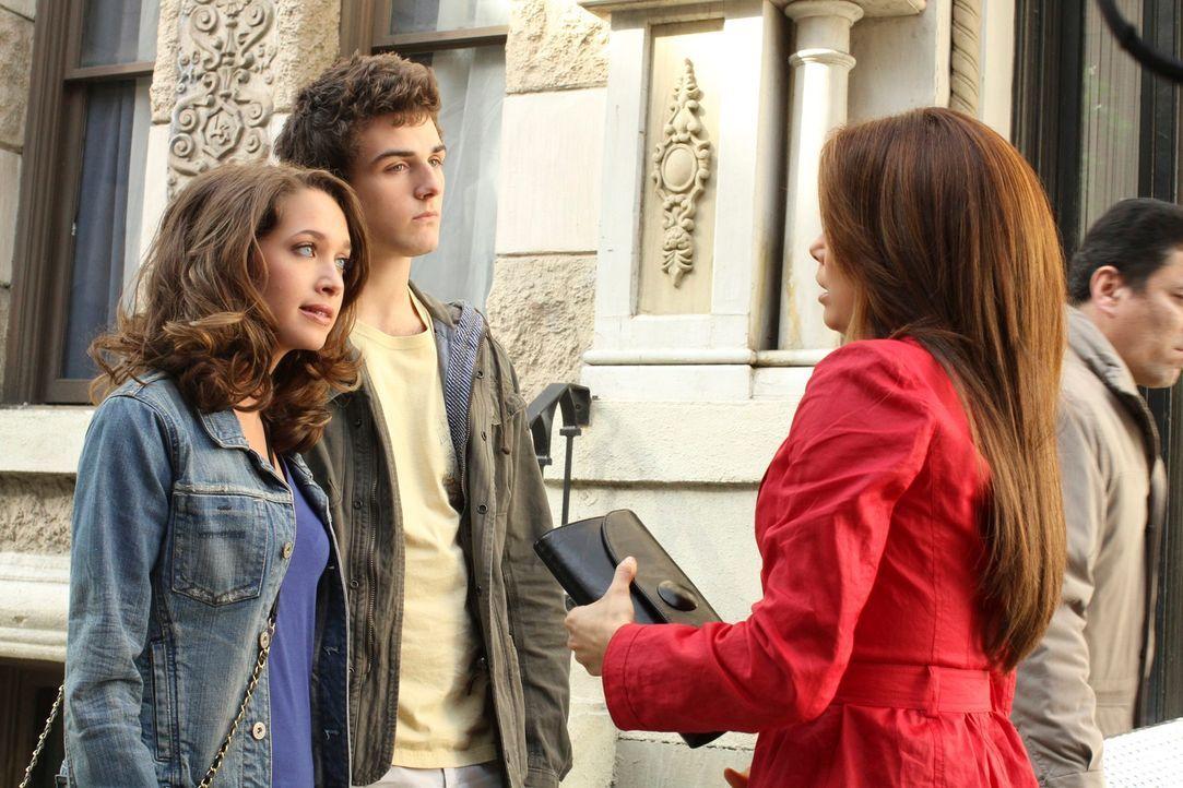 Während Lynette mit ihrer zukünftigen Schwiegertochter zurechtkommen muss, fliegen Gabrielle (Eva Longoria, r.) und Angie nach New York, um Ana (Mai... - Bildquelle: ABC Studios