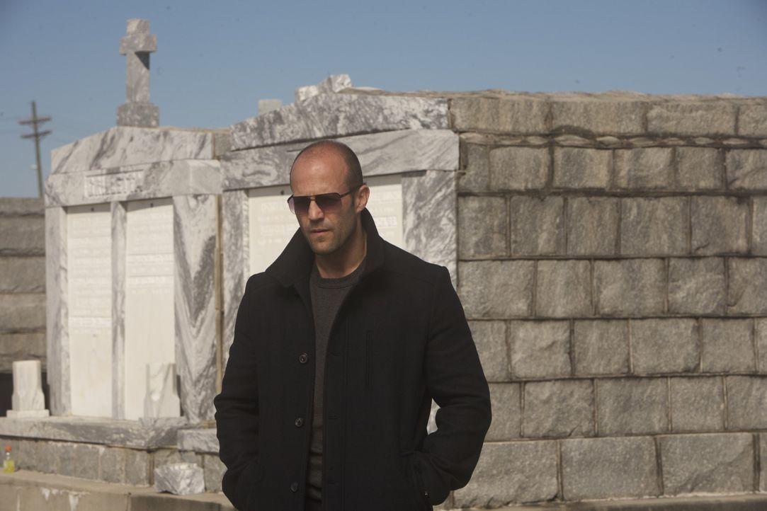 Als Auftragskiller ist Arthur Bishop (Jason Statham) höchst erfolgreich: Kühl, präzise und knallhart erledigt er seine Jobs - und immer allein. Doch... - Bildquelle: 2010 SCARED PRODUCTIONS, INC.