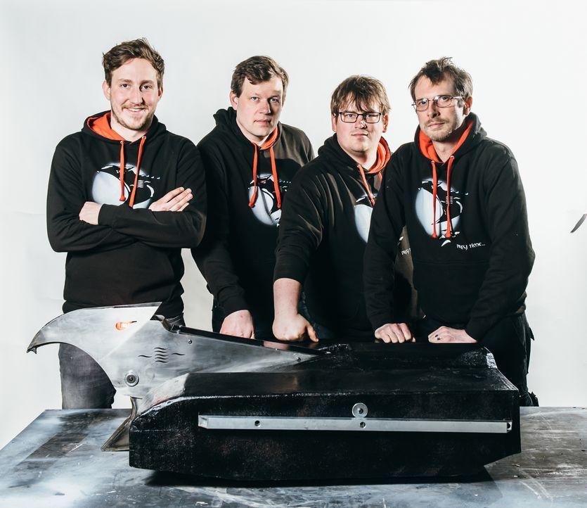 Das Team Draven hofft, dass sich ihr Roboter in der Kampfarena gegen die Maschinen der anderen Teilnehmer durchsetzen kann und am Ende im Finale ste... - Bildquelle: Andrew Rae
