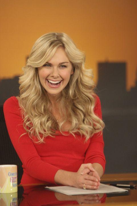 Robin kann nicht verstehen, dass Ted ihre Co-Moderatorin Becky (Laura Bell Bundy) charmant findet ... - Bildquelle: 20th Century Fox International Television