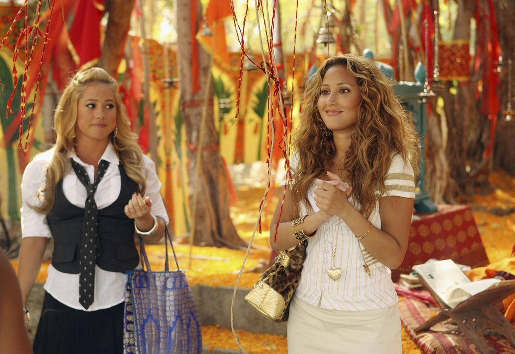 Genießen die Zeit in Indien in vollen Zügen: Dorinda (Sabrina Bryan, l.) und Chanel (Adrienne Bailon, r.) ... - Bildquelle: Disney - ABC - ESPN Television