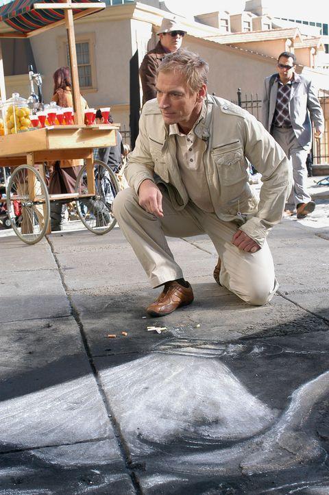 Der Maler Ethan Clark (Julian Sands) vollendet ein weiteres Kunstwerk … - Bildquelle: ABC Studios