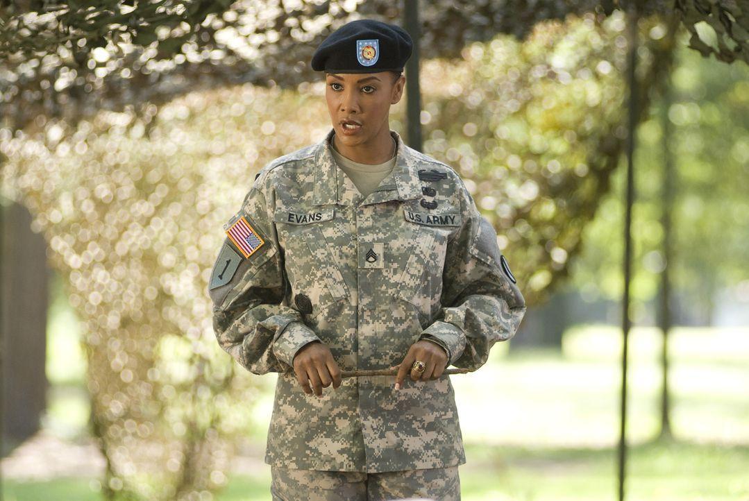 Sergeant Louisa Morleys (Vivica A. Fox) Vorstellung nach besteht man die Ausbildung nur dann, wenn man im wahrsten Sinne des Wortes Blut und Wasser... - Bildquelle: 2007 MAJOR PRODUCTIONS, INC.