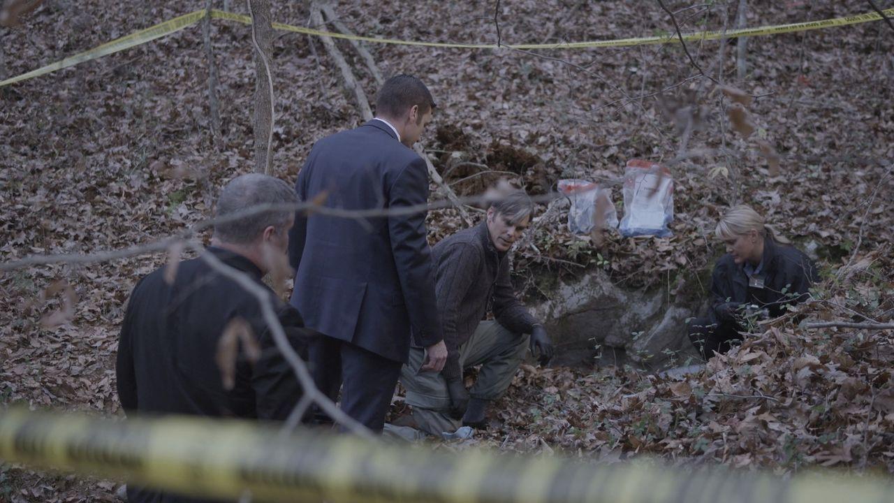 Auf einem einsamen Bergpass stolpern Wanderer über den zerlegten Körper einer nicht identifizierten Frau. Die Hinweise sind knapp, bis ein zweiter,... - Bildquelle: Jupiter Entertainment