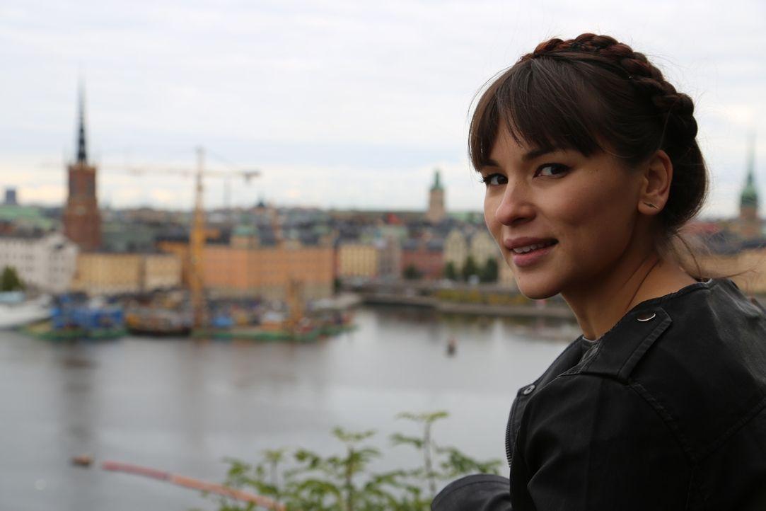 Rachel lässt sich von der Kühle in Stockholm nicht abschrecken ... - Bildquelle: Richard Hill BBC 2014