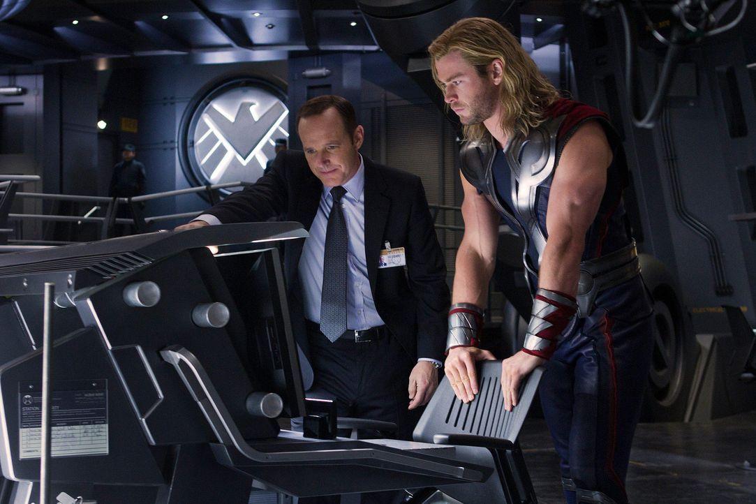 the-avengers-extra-019-2011-mvlffllc-tm-2011-marveljpg 2000 x 1333 - Bildquelle: 2011 MVLFFLLC TM & 2011 Marvel