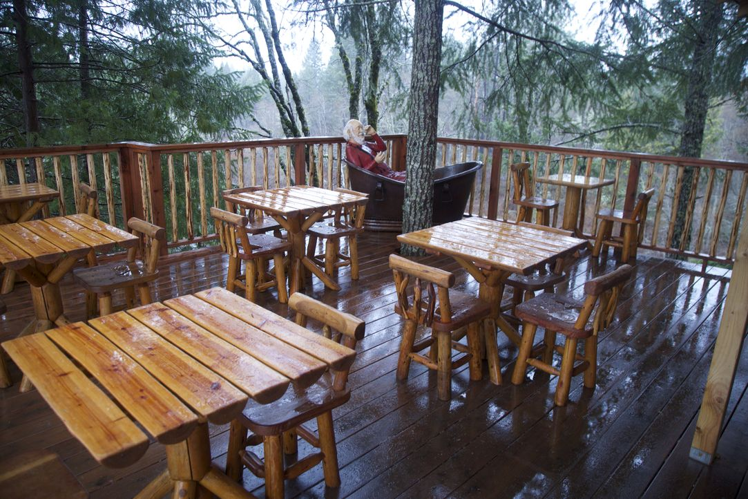 Treehouse Saloon: Die Baumhaus-Profis haben sich dieses Mal wieder ordentlich ins Zeug gelegt, um ihre Kunden aus Oregon glücklich zu machen. Wie wi... - Bildquelle: 2016, DIY Network/Scripps Networks, LLC. All Rights Reserved.
