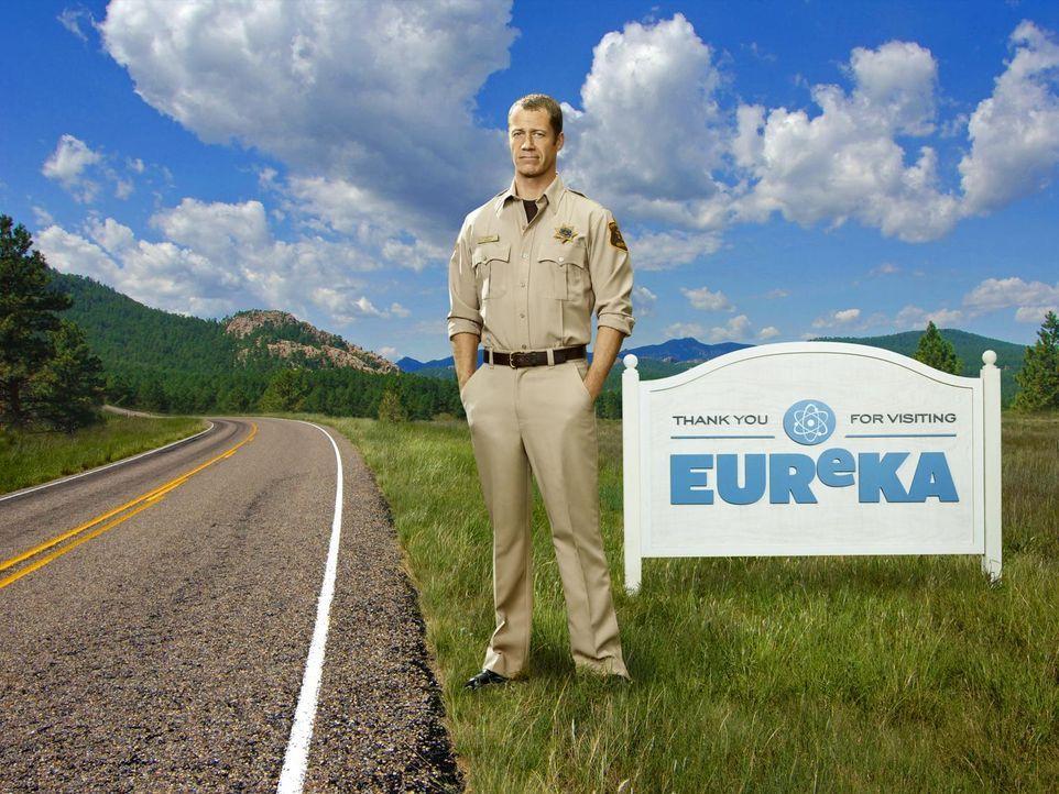 (5. Staffel) - Vor einiger Zeit landete Jack Carter (Colin Ferguson) durch Zufall in Eureka, einem kleinen Städtchen, in dem alles etwas anders ist... - Bildquelle: Universal Television