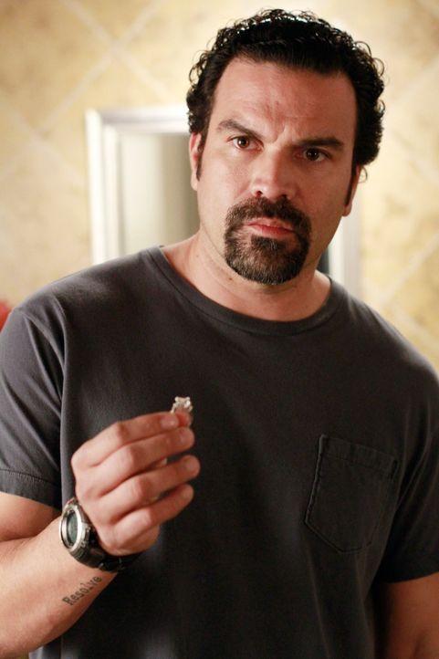 Kommt mit Gabrielles neuen Job nicht zurecht: Carlos (Ricardo Antonio Chavira) ... - Bildquelle: ABC Studios