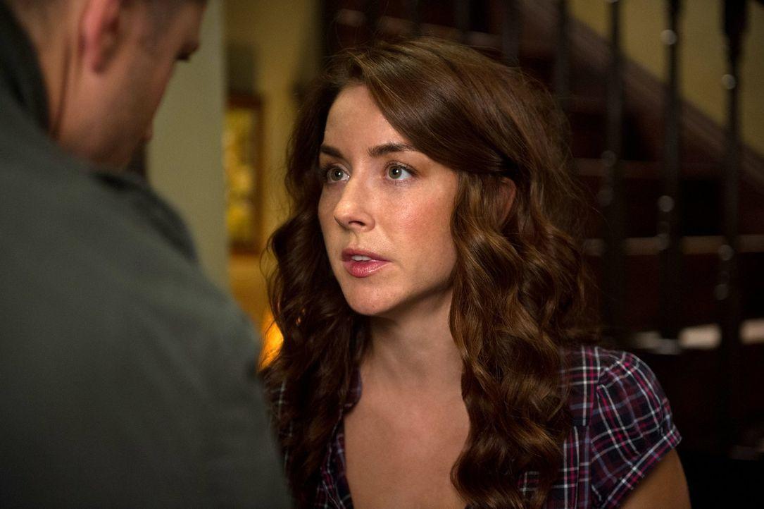 War Robin (Erin Karpluk) Deans erste große Liebe? - Bildquelle: 2013 Warner Brothers