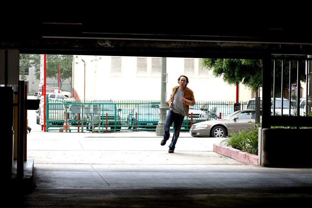 Eher als Fluch, denn als Segen sieht Cris Johnson (Nicolas Cage) die Gabe, die er besitzt: Er kann  zwei  Minuten in die Zukunft sehen und sie  durc... - Bildquelle: t   2007 Paramount pictures. All Rights Reserved.
