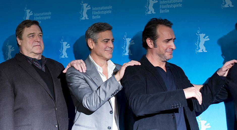 Berlinale-John-Goodman-George-Clooney-Jean-Dujardin-140208-AFP - Bildquelle: AFP