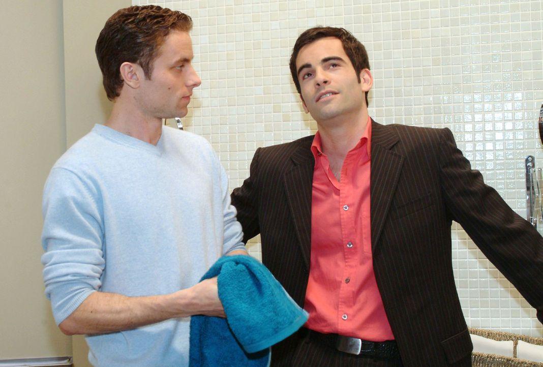David (Mathis Künzler, r.) macht Max (Alexander Sternberg, l.) klar, dass er nicht mehr gegen Lisa intrigieren will. Ab jetzt will er nur noch aufr... - Bildquelle: Sat.1