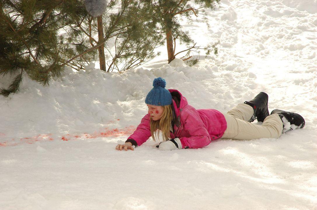 Ihr erster Skitag wird wohl auch ihr letzter sein, wenn weiterhin alles schief läuft: Parker (Emma Bell) ... - Bildquelle: Fred Hayes Frostbite Features, Inc.