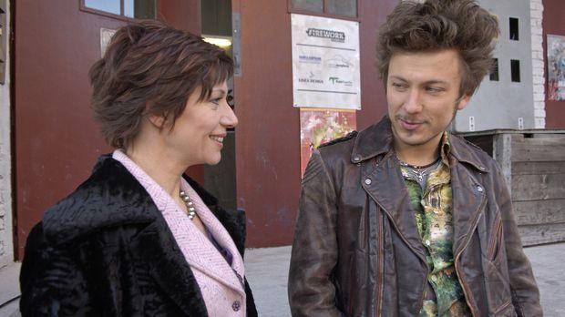 Was führt Olivia Weidenstein (Raphaela Dell, l.) im Schilde? Lässt sich Ninja...