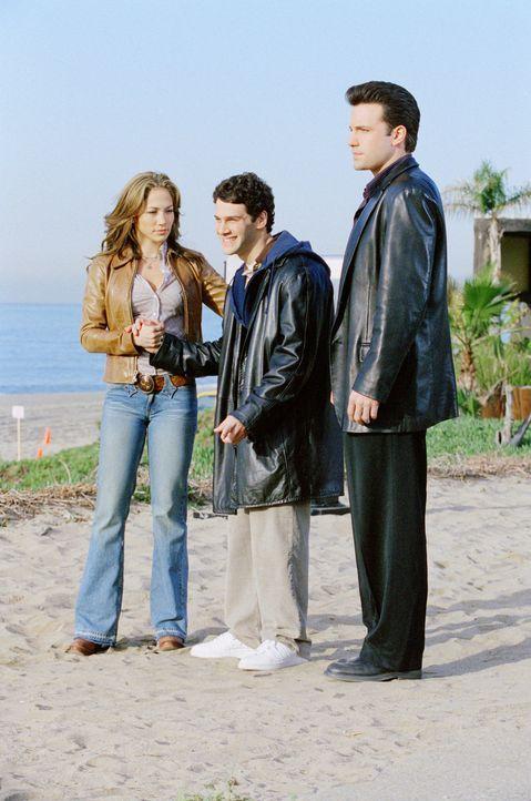 Mord, Erpressung, Versuchung und Erlösung: Ricki (Jennifer Lopez, l.), Brian (Justin Bartha, M.) und Giglis (Ben Affleck, r.) ... - Bildquelle: 2004 Sony Pictures Television International. All Rights Reserved.