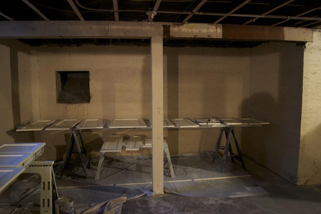 Ein Paar aus Portland möchte seinen Keller endlich ausbauen und den Platz sinnvoll nutzen, denn aktuell ist er nur eine Abstellkammer ... - Bildquelle: 2009, DIY Network/Scripps Networks, LLC