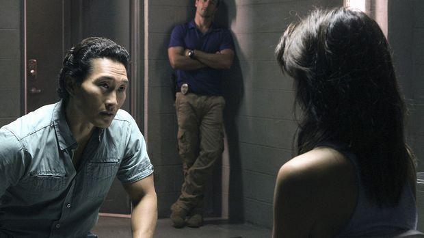 Steve (Alex O'Loughlin, M.) und Chin (Daniel Dae Kim, l.) können es nicht fas...