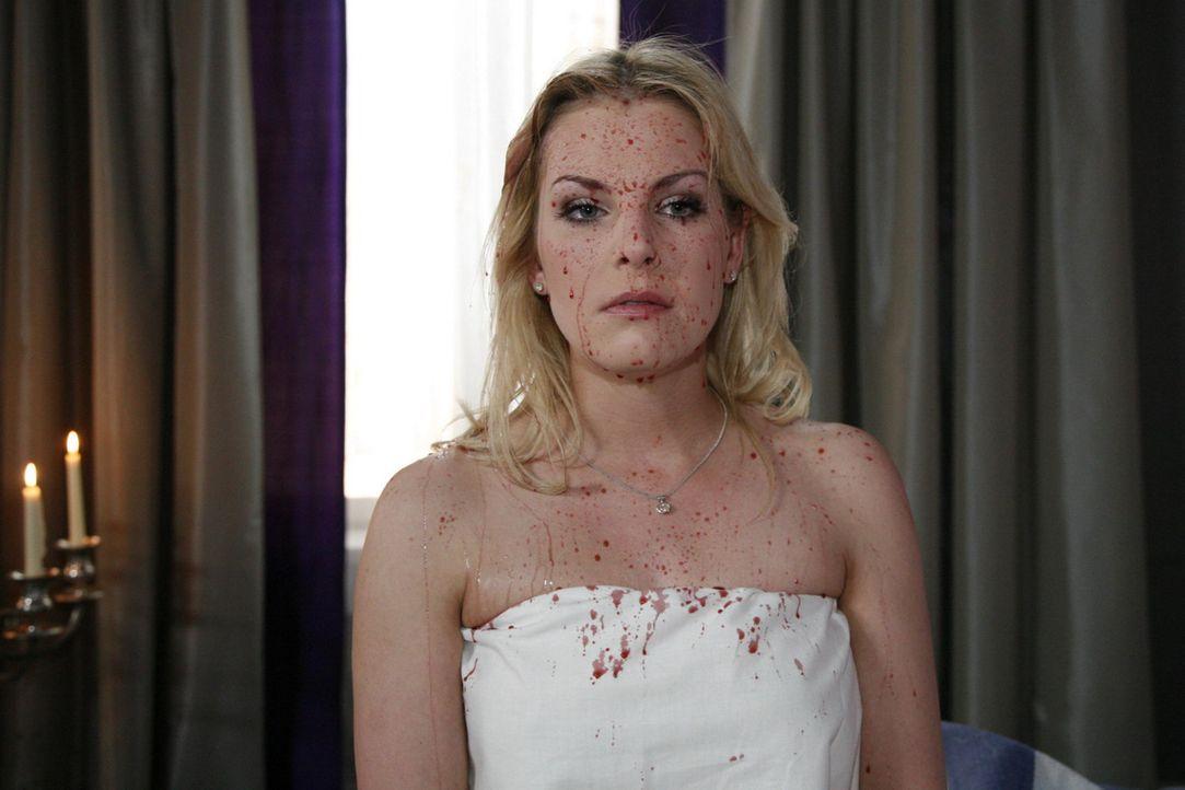 Erlebt die größte Demütigung ihres Lebens: Alexandra (Ivonne Schönherr) ... - Bildquelle: SAT.1