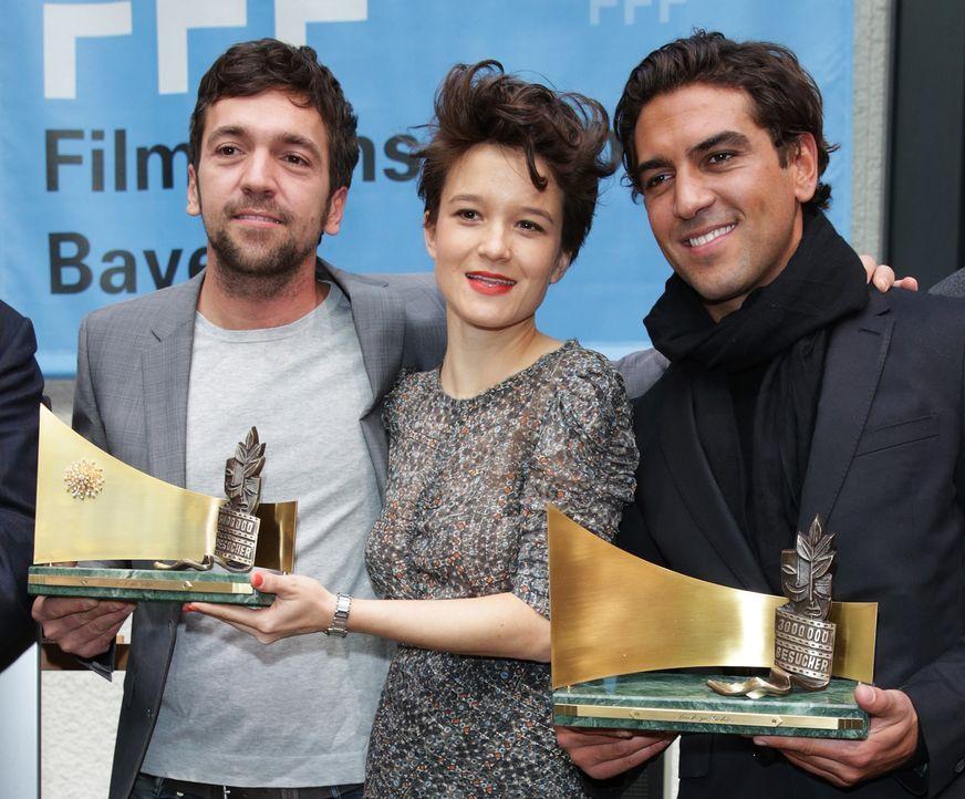 Berlinale-Bora-Dagtekin-Lena-Schoemann-Elyas-M-Barek14-02-13-dpa - Bildquelle: dpa