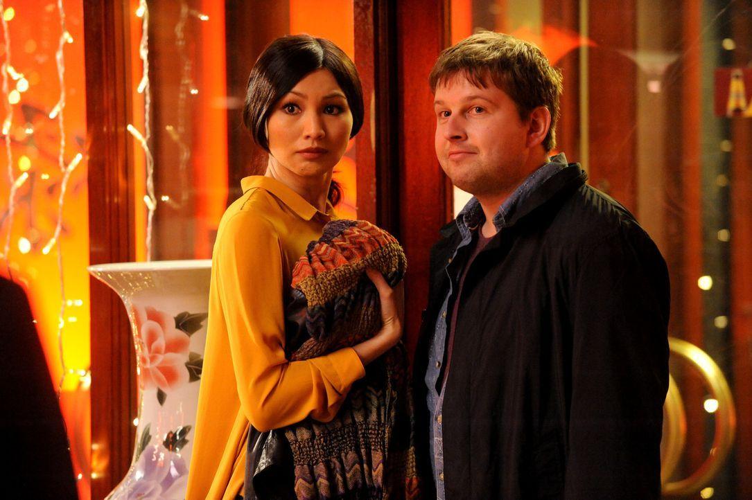 Ericas Bruder organisiert für Erika (l.) ein Date mit dem seltsamen Schotten Callum (r.) ...