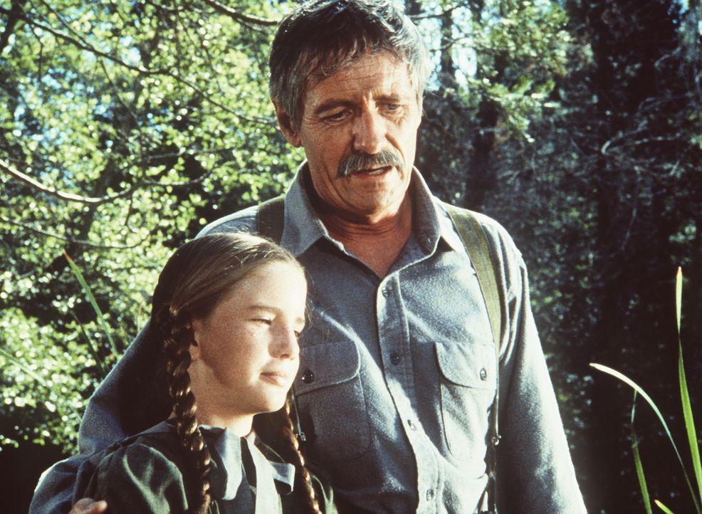 Laura (Melissa Gilbert, l.) und ihr Großvater (Arthur Hill, r.) haben sich wieder versöhnt, doch nun heißt es Abschied nehmen. - Bildquelle: Worldvision