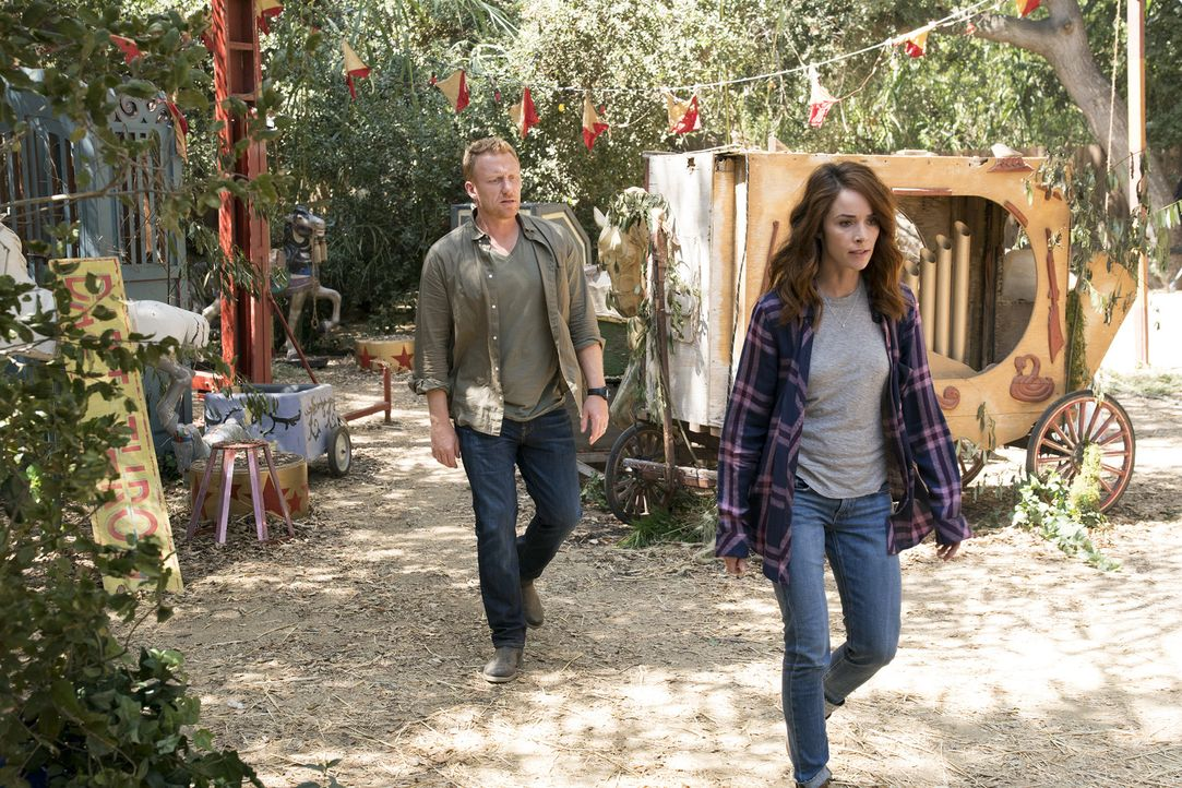 Müssen sich mit alten Wunden beschäftigen, die ihre Beziehung zueinander noch immer beeinflussen: Owen (Kevin McKidd, l.) und Megan (Abigail Spencer... - Bildquelle: Mitch Haaseth 2017 American Broadcasting Companies, Inc. All rights reserved.