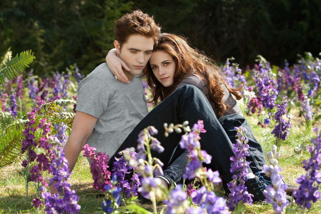 Bella und Edward sind verliebt wie am ersten Tag! - Bildquelle: 2012 Summit Entertainment, LLC. All rights reserved.